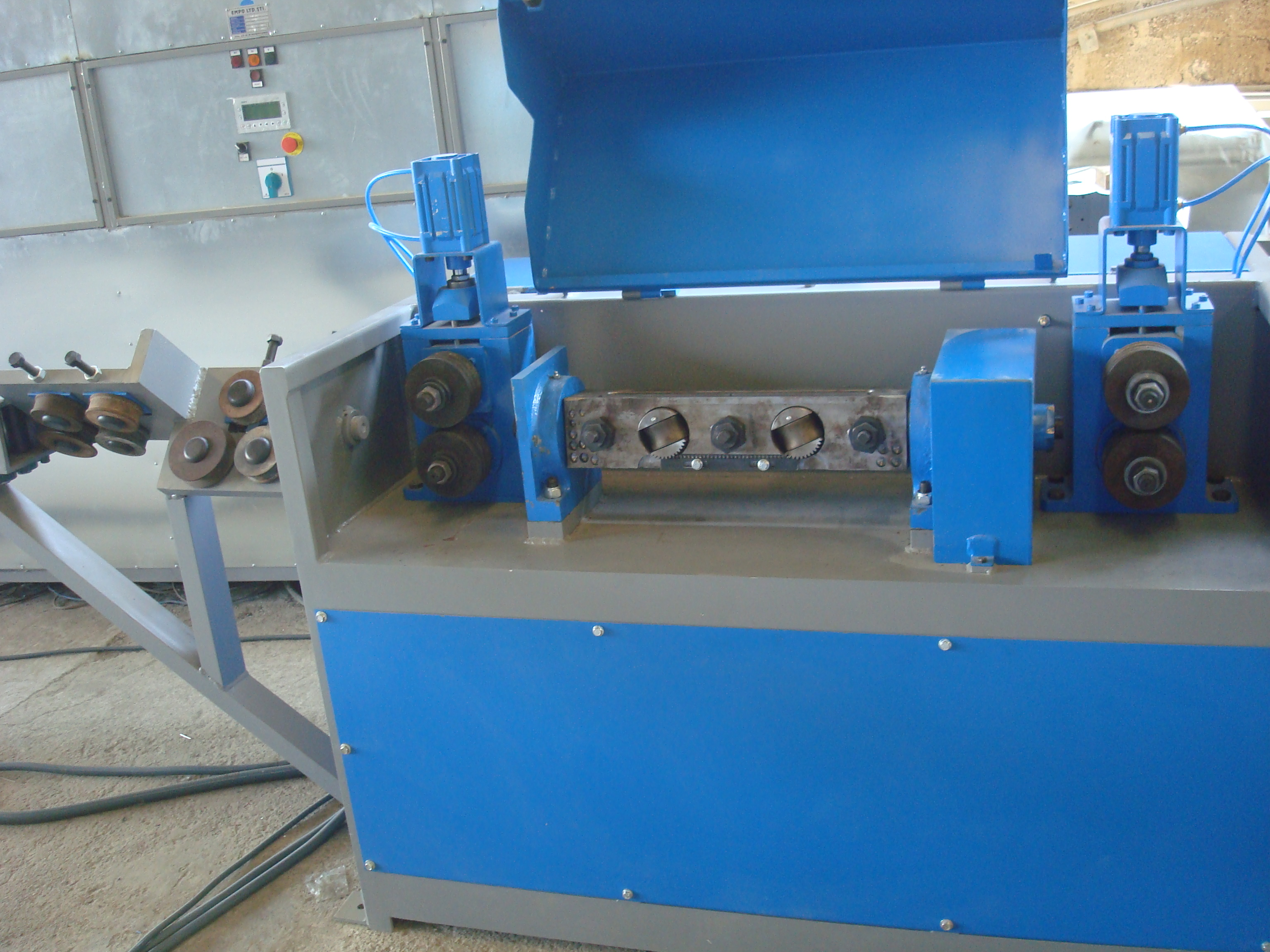 Wire Straightening And Cutting Machines